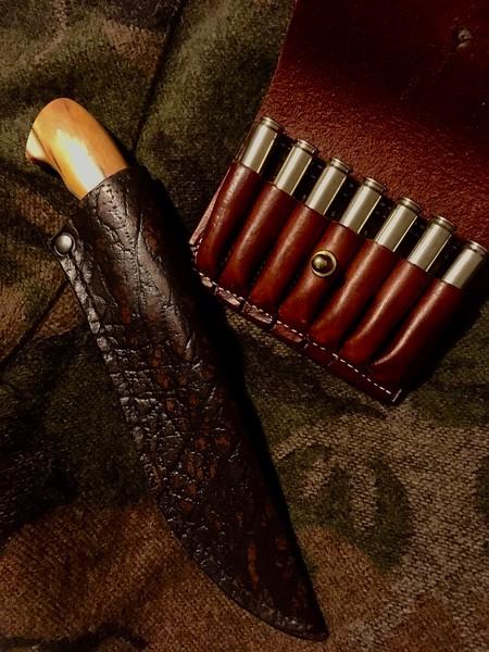 Arno Bernard Hippo Knife with Giraffe shin-bone handle and .375 H&H leather belt case