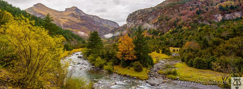 Ara river / Río Ara (Bujaruelo Valley / Valle de Bujaruelo)