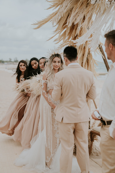 Thư & Chris boho beach wedding in Việt Nam