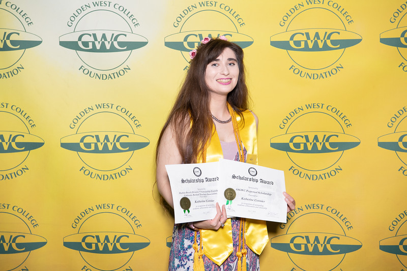 Scholarships-Awards-2019-0729.jpg