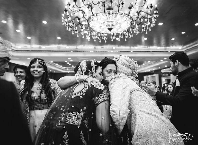 best-candid-wedding-photography-delhi-india-khachakk-studios_58.jpg
