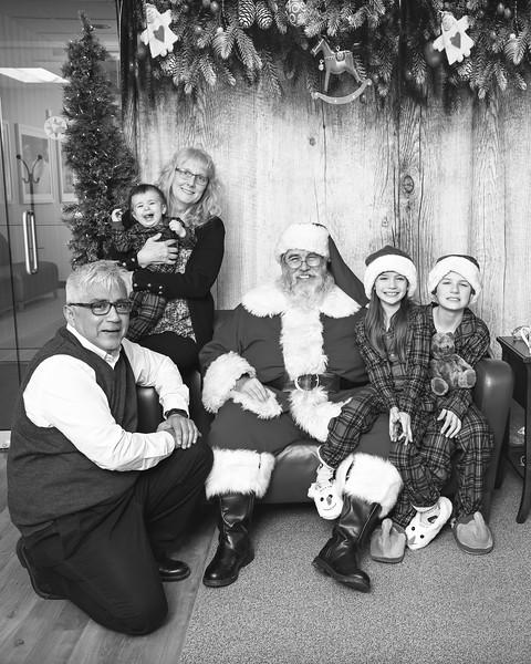Ameriprise-Santa-Visit-181202-4936-BW.jpg
