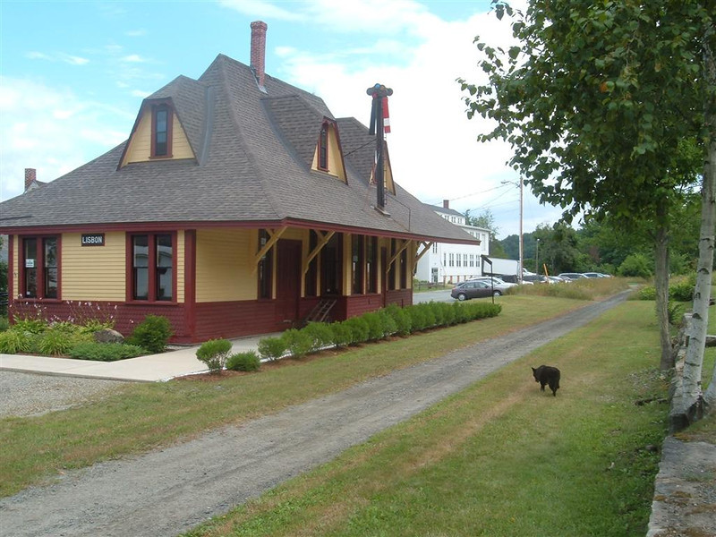 Lisbon, NH station.  Reagan looks for the track. She finds a railtrail. Oh boy!