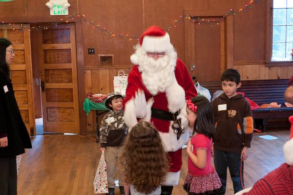 20111210_ChildrensHolidayParty