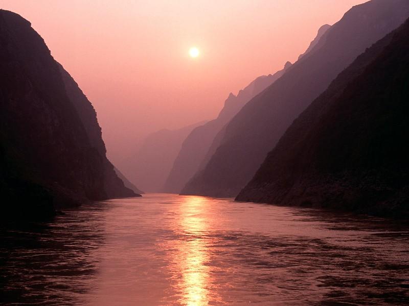 Wu Gorge of Yangtze River, China.jpg