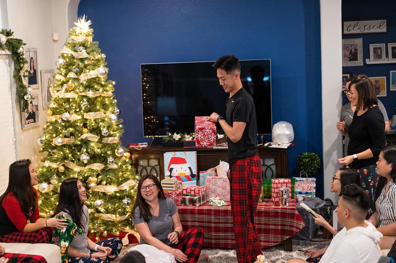 20191225_christmas-ho-family_031.jpg