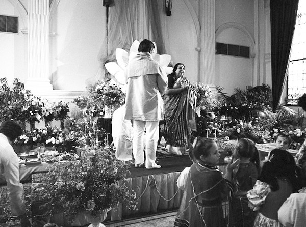 Birthday Puja, 21 March 1990, Sydney (Matthew Fogarty photo)