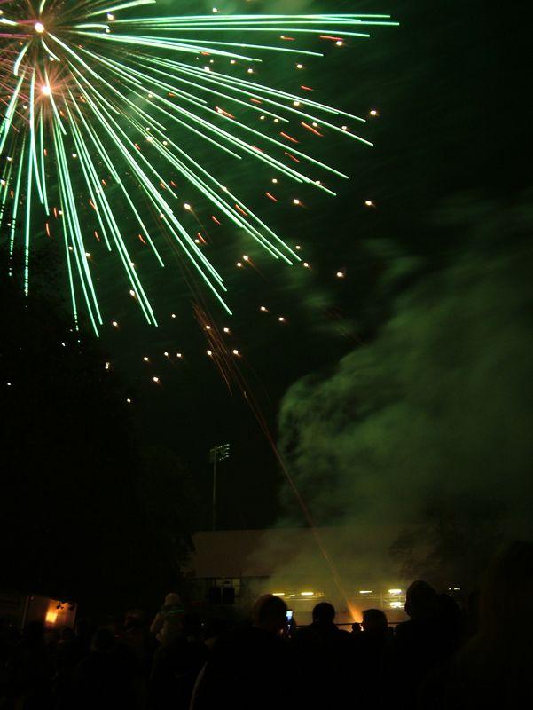 2004_1105putneyfireworks20078.JPG