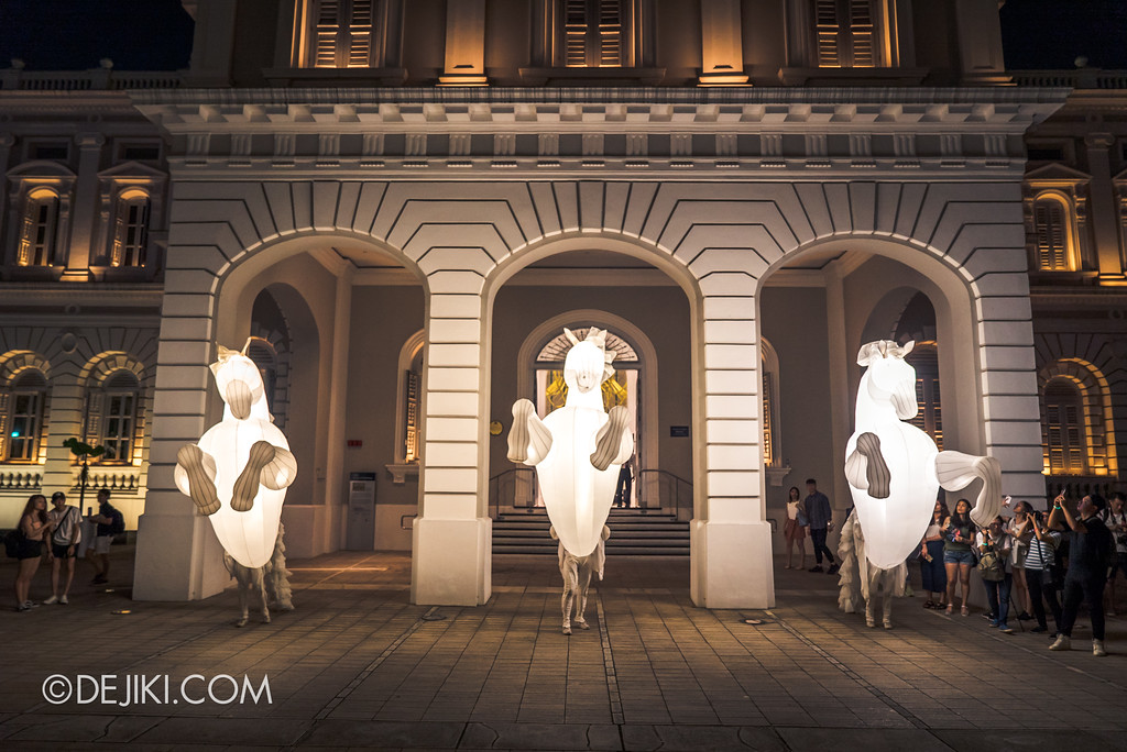 Singapore Night Festival 2018 – Performances / FierS à Cheval (by Compagnie des Quidams) in front of NMS