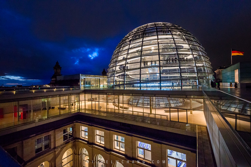 Reichstag-Roof-top-Dome-and-below-2.jpg