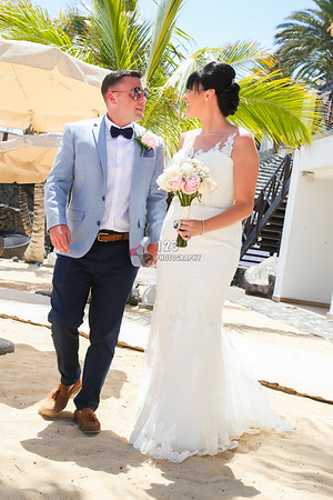Rebecca and Noel's wedding photography Hesperia Lanzarote