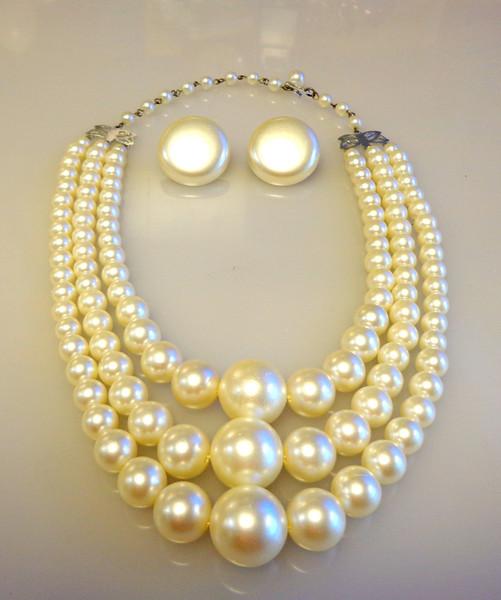 New Website Gallery ~ Vintage Jewelry & Accessories ~ Now Open