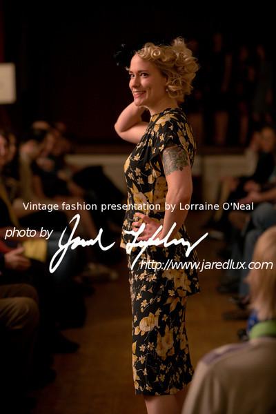 vintage_fashion_show_09_f2820680.jpg