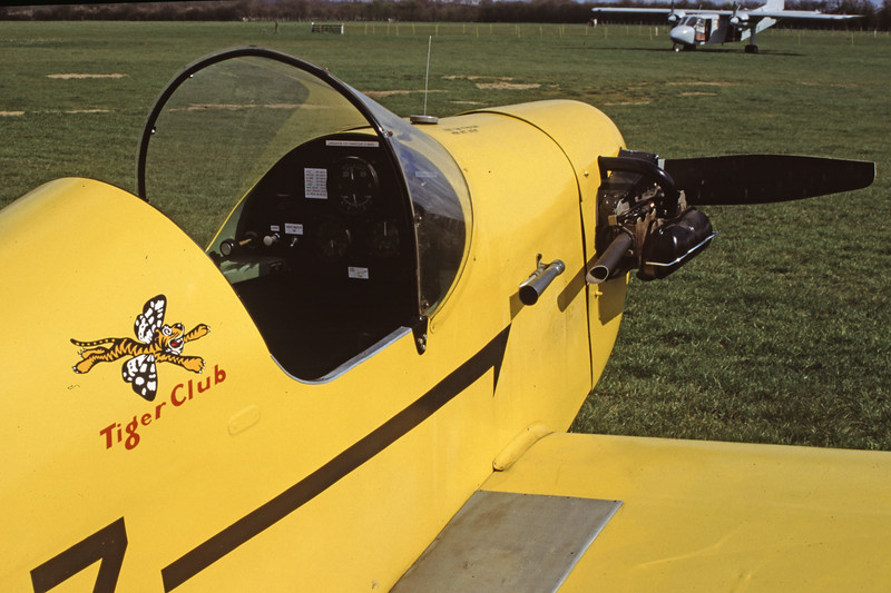 G-ARMZ-RollasonD-31Turbulent-Private-EGKH-2000-03-26-GY-05-KBVPCollection.jpg