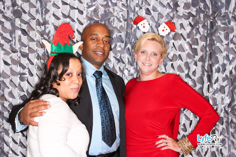 red-hawk-2017-holiday-party-beltsville-maryland-sheraton-photo-booth-0119.jpg