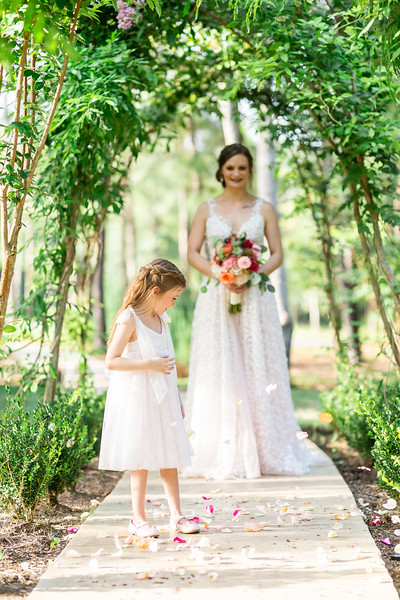 Daria_Ratliff_Photography_Styled_shoot_Perfect_Wedding_Guide_high_Res-198.jpg