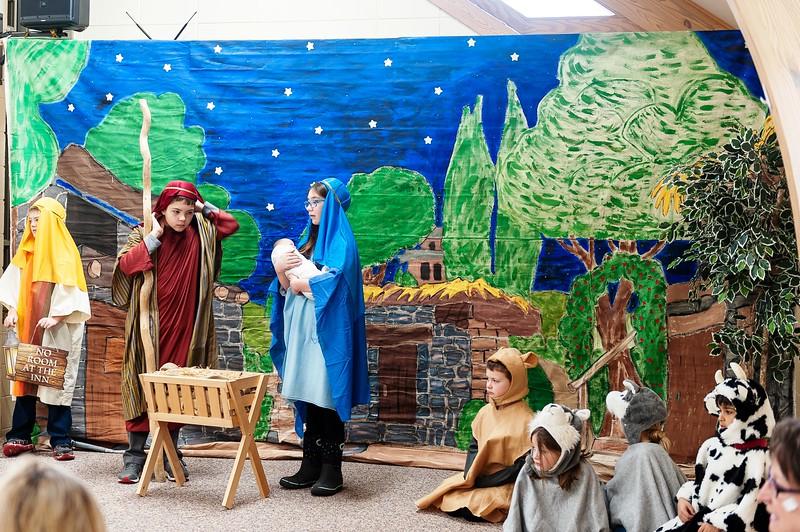 20191209 Faith Children Advent Family Gathering-8008.jpg