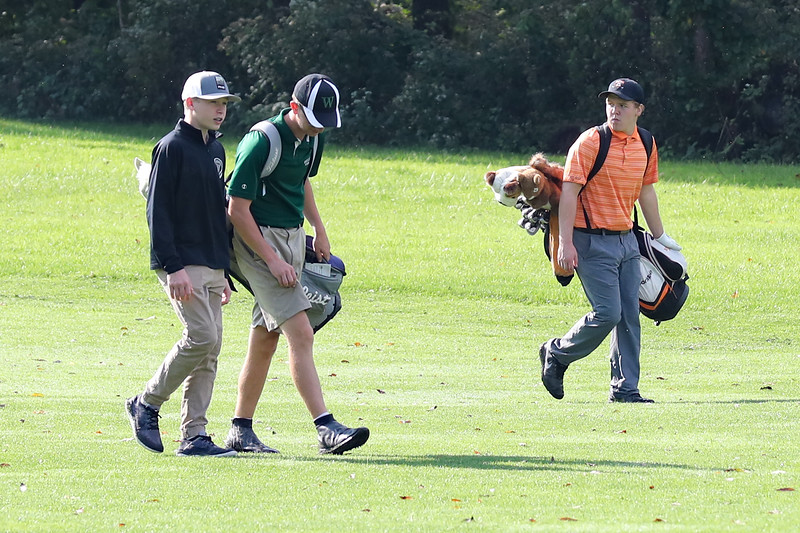 18 10 04 Manning at Districts - Golf