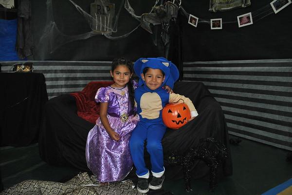 Halloween Howl Photo Booth