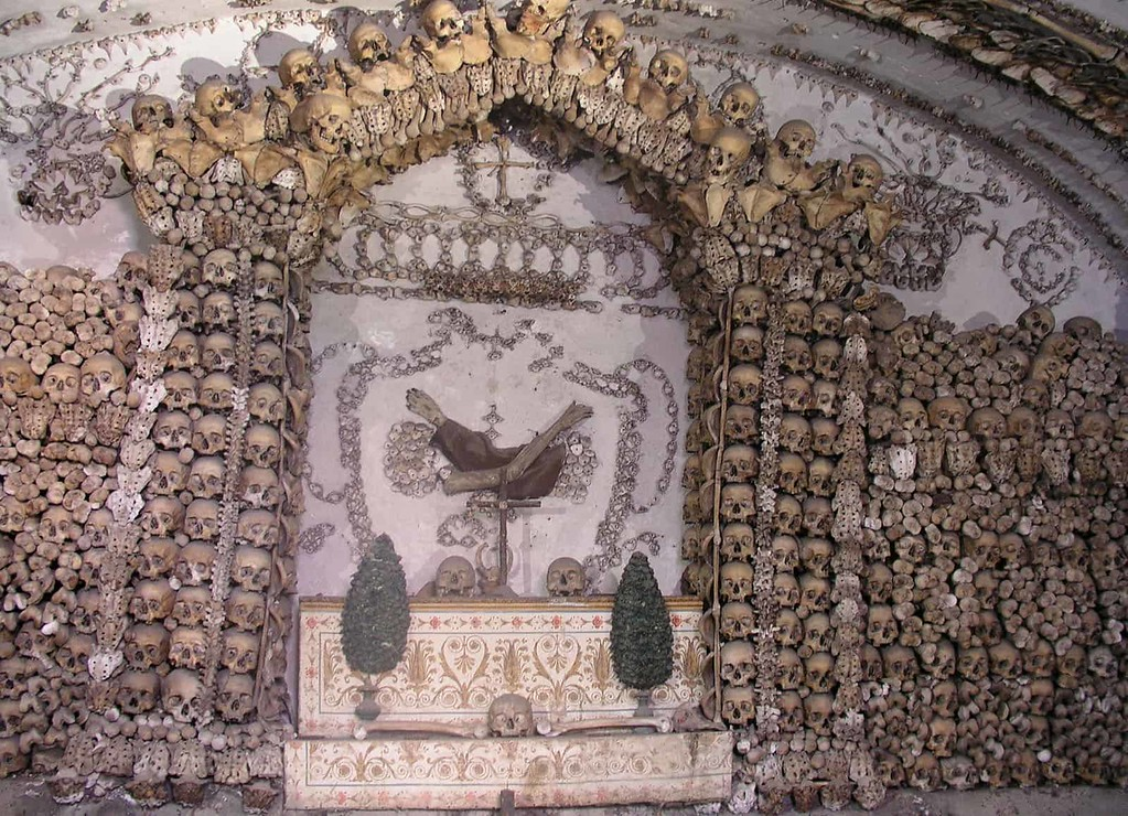 Crypts and catacombs tour in Rome - Rome underground tour