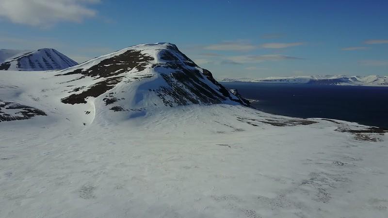 5-22-17013566longyearbyen.MOV