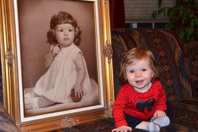 2012-10-7 ––– Take a look at this picture of Lisa at 11 months on the left and Aili at 8 months. Is there any question where Aili got all that long beautiful hair? I'll have to update the shot in January when Aili is the same age as Lisa.