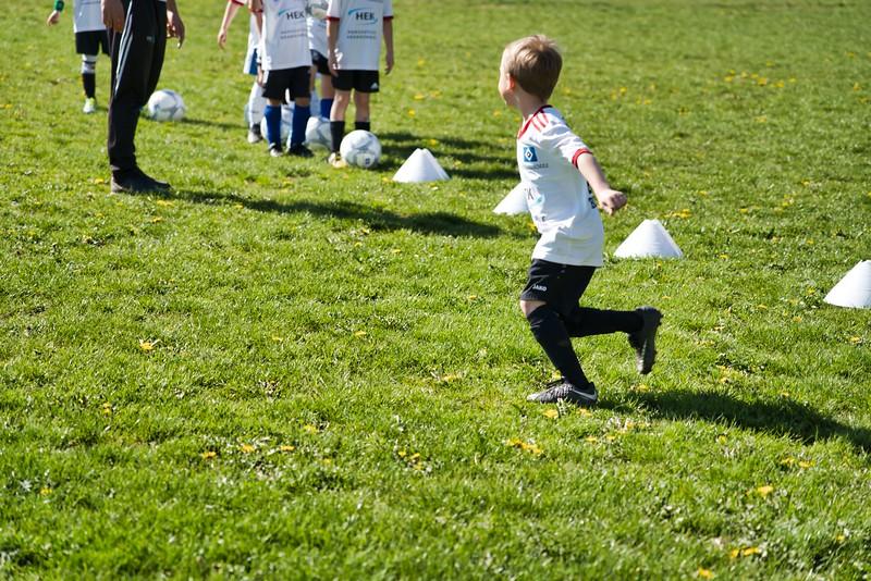 hsv-fussballschule---wochendendcamp-hannm-am-22-und-23042019-u5_46814452155_o.jpg