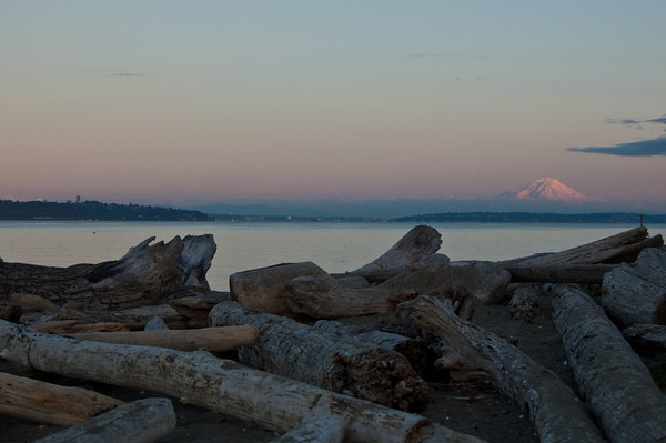 mt rainier at sunset