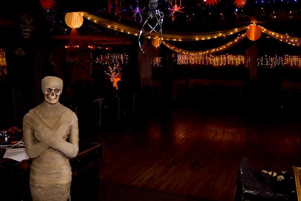Halloween Dance (10.30.08)