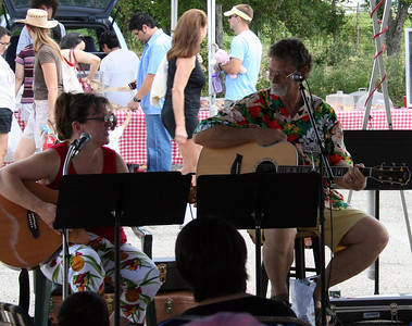 Alicia and Michael at the Farmer's Market 8/25/07