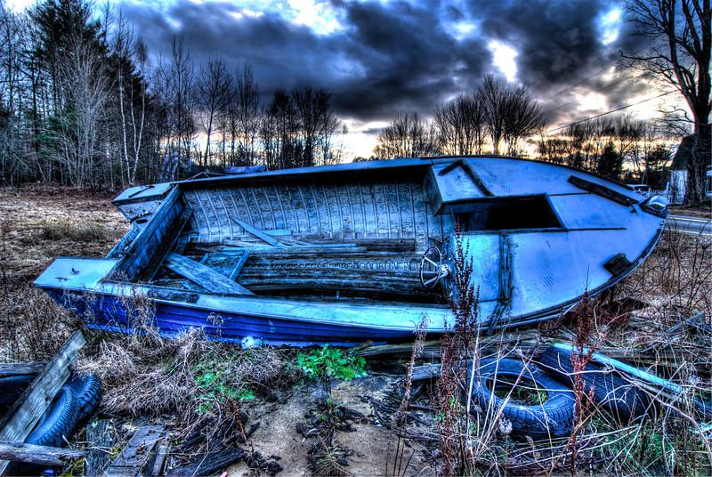 Blue boat front tonemapped.jpg