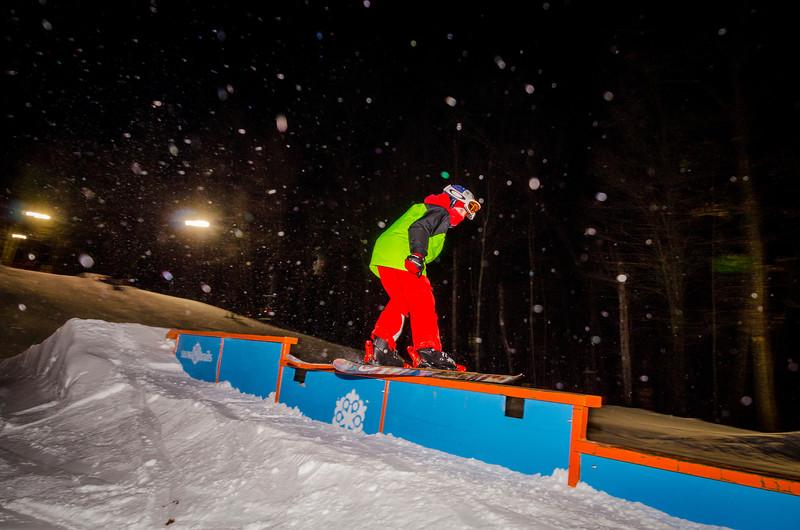 Nighttime-Rail-Jam_Snow-Trails-105.jpg