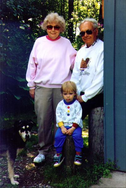 Grandma Bonnie, Alina & Grandpa Wayne, 8-1994.jpg