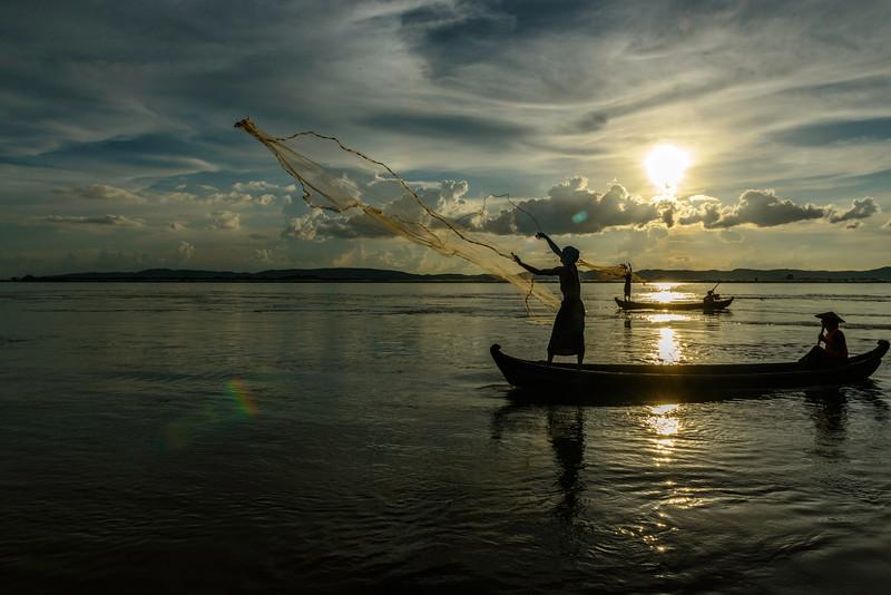 fishing net toss.jpg