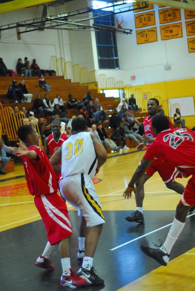 20090301_MCC Basketball_5706.JPG