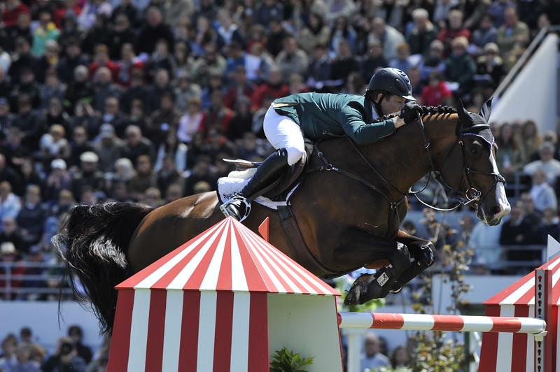JUMPING : Shane SWEETNAM sur Amaretto Darco GRAND PRIX DE LA VILLE DE LA BAULE -  CSIO DE LA BAULE 2012 - PHOTO : © CHRISTOPHE BRICOT