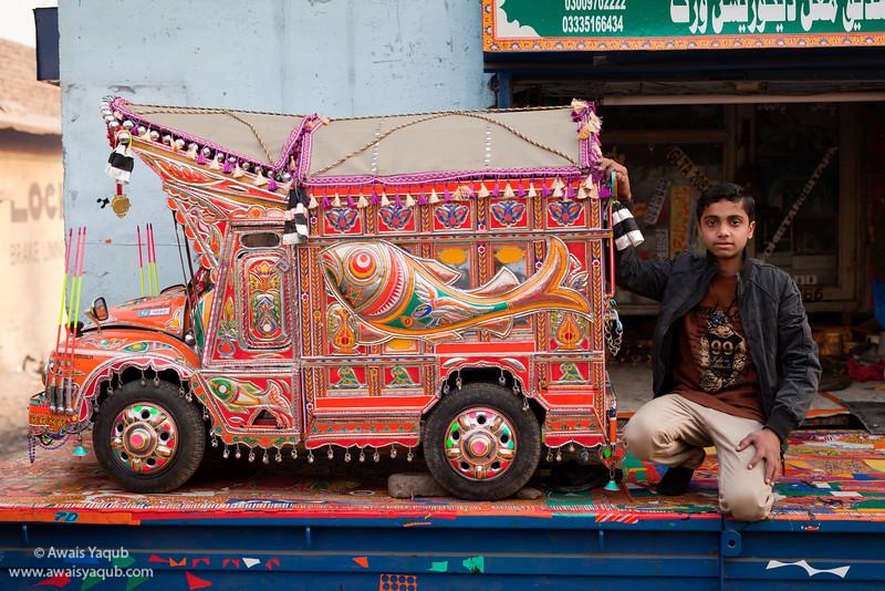 Miniature truck