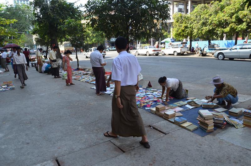 DSC_5179-street-book-vendors.JPG