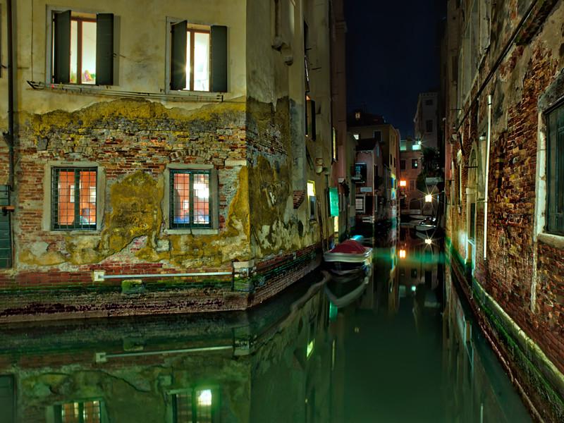 A Night Walk In Venice