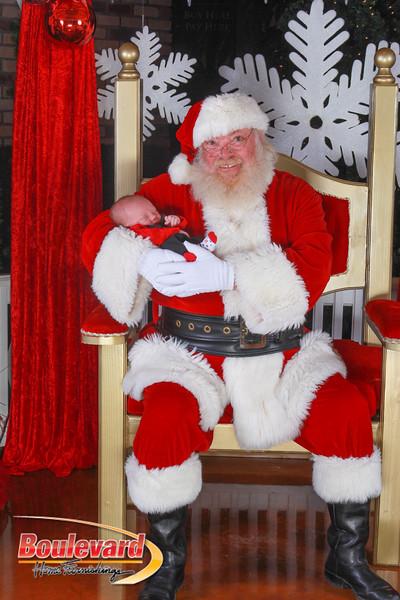 Santa 12-10-16-219.jpg