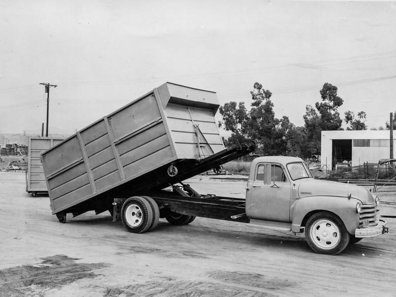1956 Chevy 5200 16' Roll Off Hoist