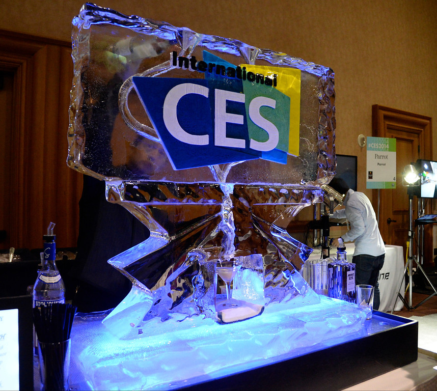 . Martinis are served during the 2014 Consumer Electronics Show (CES) on Sunday, June 5, 2014 in Las Vegas, Nevada. The 2014 CES show starts Tuesday, Jan. 7, 2014 and runs until Friday, Jan. 10, 2014 with 150,000 people estimated to attend the show. (Photo by Gene Blevins/Los Angeles Daily News)