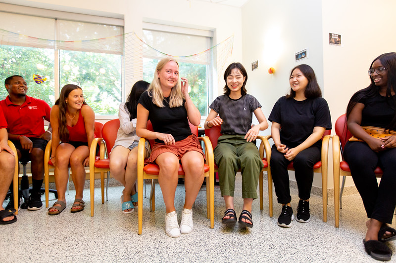20190822_International Student Move in_Margo Reed Photo-14.jpg