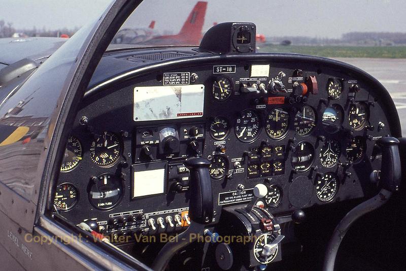 BAF_SF260M_ST-18_cockpit-view_Scan10071_WVB.jpg