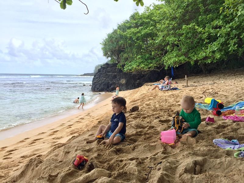 Finn & Leif at Hideaways Beach