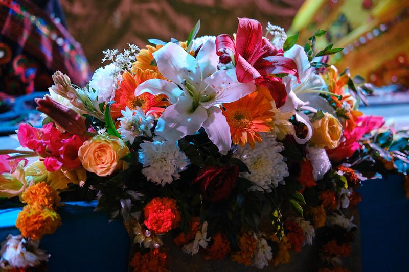 20200307_EV_IN_RIS_Bhajans_Flowers_194.jpg