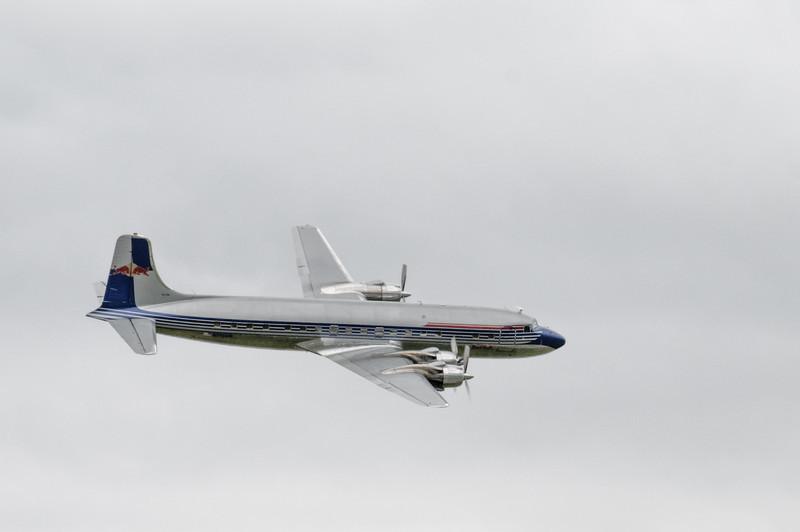 Diese DC-6 von Red Bull sah auch wunderschön aus.