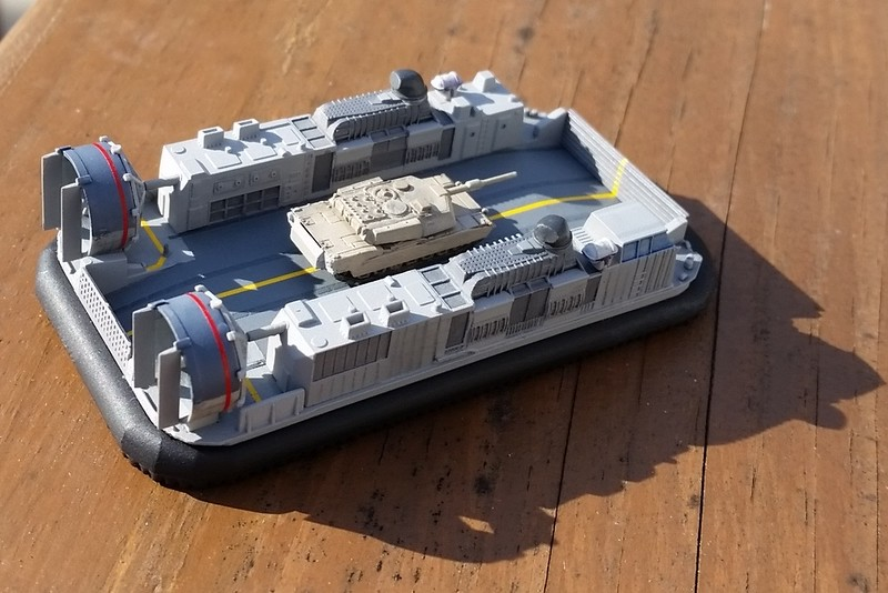 151212: LCAC with M1A1 (1/350)
