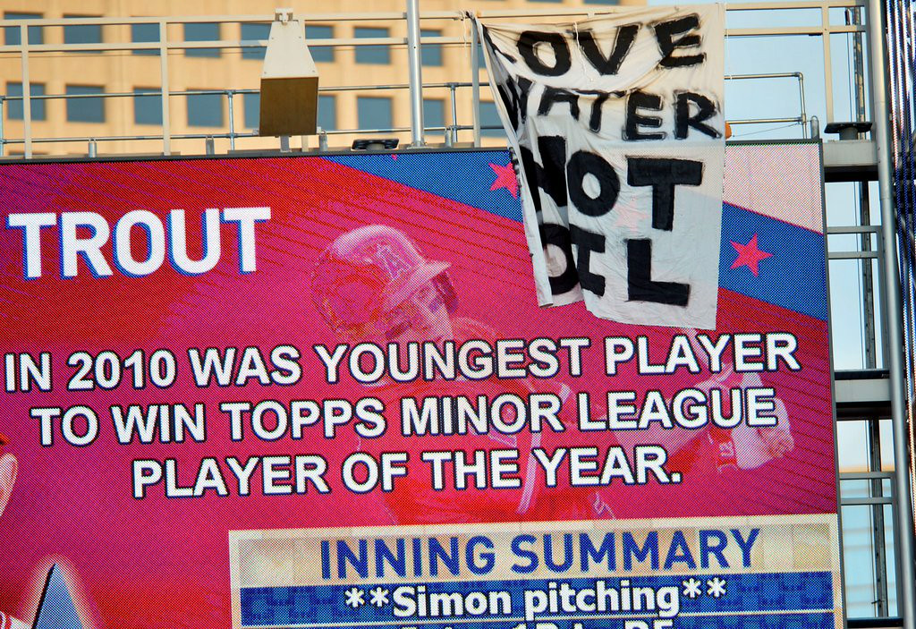 """. 10. (tie) ALL-STAR GAME PROTESTERS <p>Sign hanger survives death-defying leap. Too bad. (previous ranking: unranked) </p><p><b><a href=\""""http://hardballtalk.nbcsports.com/2014/07/15/protesters-hang-a-large-love-water-not-oil-sheet-sign-on-the-target-field-scoreboard/\"""" target=\""""_blank\""""> LINK</a></b> </p><p>    (Pioneer Press: Sherri LaRose-Chiglo)</p>"""