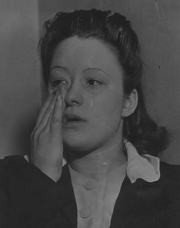1942, Dorothy White Crying